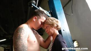 Autós szex hd pornó
